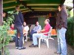 01 - Treffen im Garten